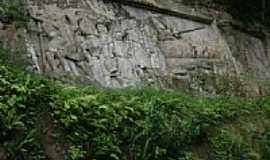 Orleans - Esculturas na rocha-Foto:Alex Carniel