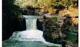 Paraíso - As quedas do Salto do Rio das Flores