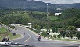 Petrol�ndia - Trevo de acesso de Petrol�ndia-SC-Foto:Angelo Carlos Ronchi