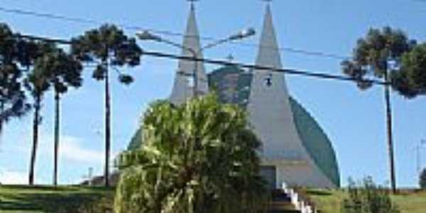 Igreja de Pinheiral por Nélio Bianco