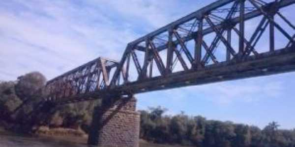 Ponte centenária de trem em Poço Preto - SC, Por Edson Thadeu