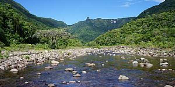 Praia Grande-SC-Trilha do Rio do Boi na garganta do Canyon Itaimbezinho-Foto:costaodafortaleza.com