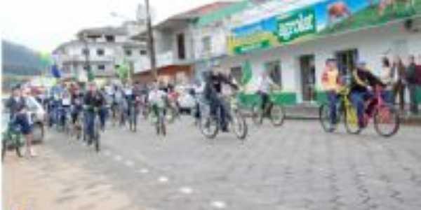7 de setembro de 2011, desfile de bicicletas!! , Por Natália Michels Ribeiro
