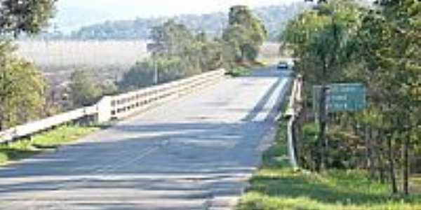Ponte Rio Timbó-Foto:Mauro Wunderlich