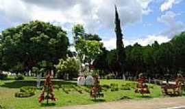 Santa Lúcia - Praça no Distrito de Santa Lúcia-Foto:grigolo