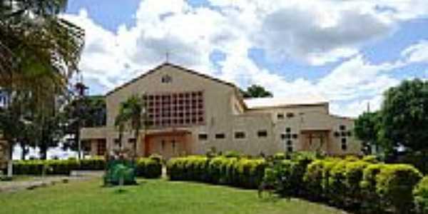 Igreja Católica  no Distrito de Santa Lúcia-Foto:grigolo