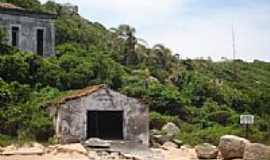 São Francisco do Sul - Ruínas na área Militar - Ilha da Paz-Foto:Renovatiotur Náutica…