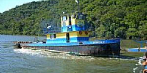 Barco no Rio Palmital em São Francisco do Sul-Foto:ssimon