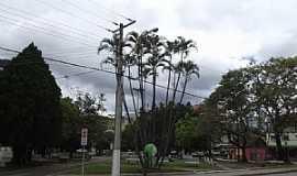 São João Batista -  São João Batista - Centro - Praça - por José Carminatti