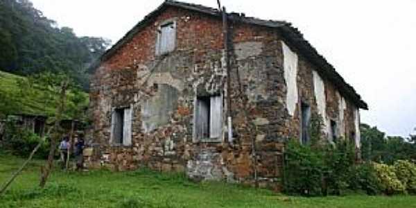 Siderópolis-SC-Casa de Pedra construida em 1914-Foto:Hotel Costa Rique-Face