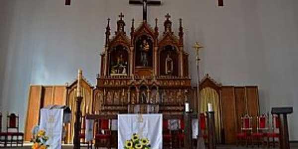 Igreja Matriz de Santo Antônio - Altar esculpido em madeira
