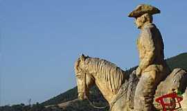 Taquaras - Monumento em homenagem ao Tropeiro - Localidade de Taquaras - Distrito de Rancho Queimado SC