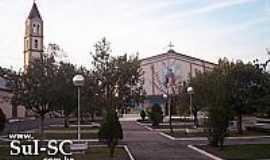 Timbé do Sul - Praça e Igreja Matriz de Timbé do Sul-SC-Foto:Brenner W. C.