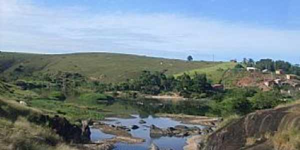 Nova Lídice-BA-Afluente do Rio Alcobaça-Foto:Welte Brown