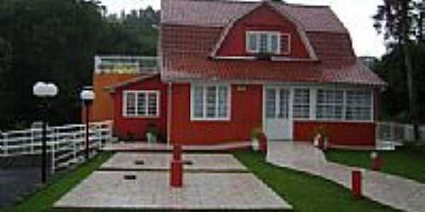 Casa em estilo Germânico-Foto:Angelo Ronchi