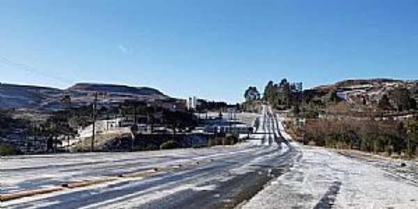 Imagens da cidade de Urupema/SC com queda de neve em Julho/2021