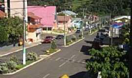 Xavantina - Vista parcial da Rua Prefeito Octávio Simon