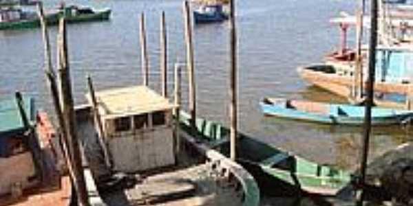 Porto dos pescadores de Nova Viçosa-Foto:leonir angelo lunard…