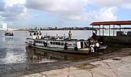 Barra dos Coqueiros - Embarcação-Foto:CMarino