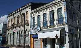 Estância - Estância-SE-Casarões antigos na Rua Capitão Salomão-Foto:Madson Cléber