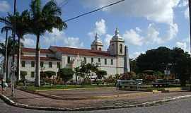 Estância - Estância-SE-Praça e vista lateral da Catedral de N.Sra.de Guadalupe-Foto:Madson Cléber