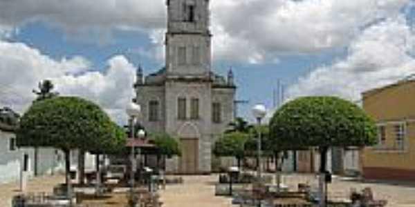Praça e Igreja Matriz de Santa Rosa-Foto:Almeida Bispo
