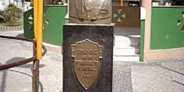 Simão Dias-SE-Estátua em homenagem ao Dr.Pedro Barreto de Andrade-Foto:Sergio Falcetti