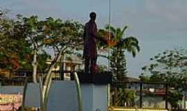 Tobias Barreto - Tobias Barreto-SE-Monumento à Tobias Barreto na Praça-Foto:José Mauro de Almeid…