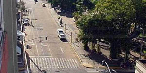 Adamantina-SP-Avenida central da cidade-Foto:LPSLPS