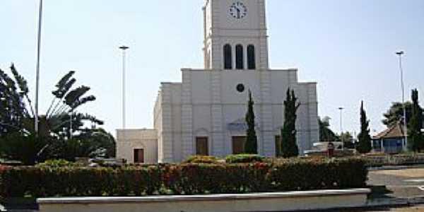 Adolfo-SP-Praça da Matriz de São José-Foto:Carlos A. Serafim