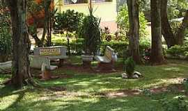 Agisse - Agisse-SP-Jardim da Escola Estadual João Perez Santos-Foto:Gal Gomes