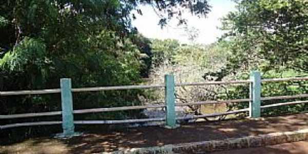Agisse-SP-Ponte sobre o Rio Capivari-Foto:Gal Gomes