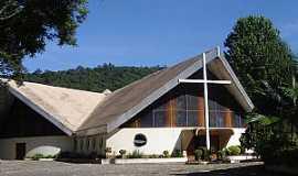 Águas de Lindóia - Águas de Lindóia-SP-Entrada da Igreja de Cristo Rei-Foto:www.mapio.cz