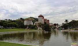 Águas de Lindóia - Águas de Lindóia-SP-O Lago e parcial da cidade -Foto:gordiando.com.br