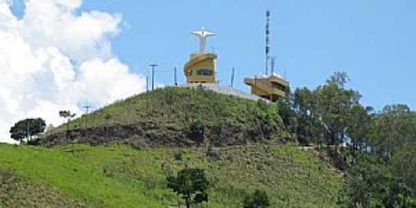 Águas de Lindóia-SP-Cristo Redentor no Morro do Cruzeiro-Foto:chaleslagoazul.com.br