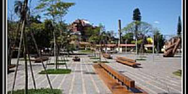 Praça Octávio Moura Andrade  em Águas de São Pedro-Foto:helio antunes do nas…