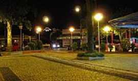 Agudos - Praça Tiradentes foto LUIS_FERNANDO_C