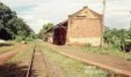 Alfredo Guedes - A estação de Alfre Guedes em 04/2003-Foto:Adriano Martins