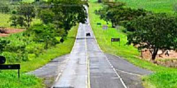 Estrada de Altair-Foto:Celso Ortolan