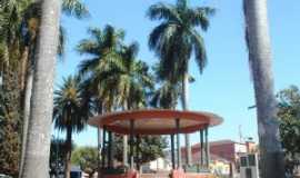 Altinópolis - Praça  da  Matriz, Por Aurélio  Cardoso
