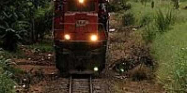 Amandaba-SP-Via Férrea e Locomotiva-Foto:dinho resler
