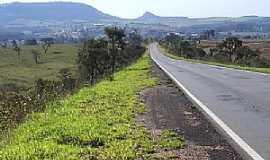 Analândia - Adolfo-SP-Vista do Morro do cuscuzeiro à partir da Rodovia-Foto:MARCO AURÉLIO ESPARZA