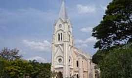 Angatuba - Matriz do Divino Esp�rito Santo-Foto:Vicente A. Queiroz