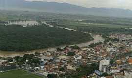 Aparecida - Aparecida-SP-Vista parcial da cidade e o Rio Paraiba do Sul-Foto:Denilson.B