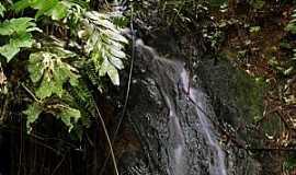 Apiaí - Apiaí-SP-Cachoeira Pedra Amarela no Morro do Ouro-Foto:Pedro Henrique Slompo