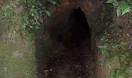 Apiaí - Apiaí-SP-Entrada do Túnel no Morro do Ouro-Foto:Pedro Henrique Slompo