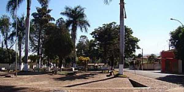 Aramina-SP-Praça Dr.José Colmanetti-Foto:Alexandre Bonacini
