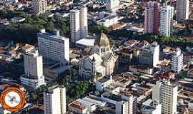 Araraquara - A nossa Igreja Matriz de S�o Bento em reforma. Foto de Andr� Amaral