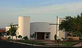 Araraquara - Igreja da Sagrada Fam�lia-Foto:PatyPeceguiniViana