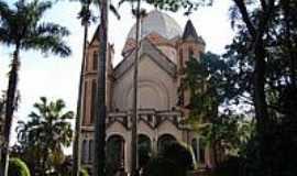 Araraquara - Matriz de S�o Bento Abade-Foto:Vicente A. Queiroz